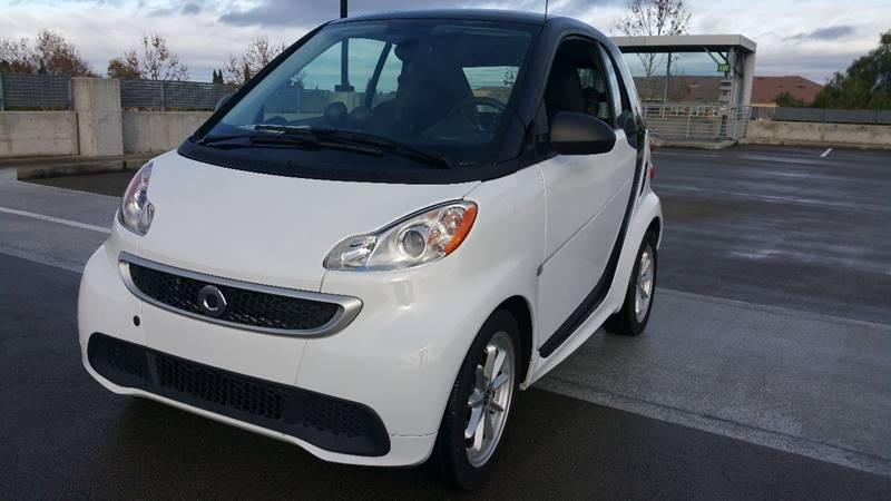 2013 SMART FORTWO PASSION ELECTRIC DRIVE 2DR HATCH white front bumper color - body-color grille
