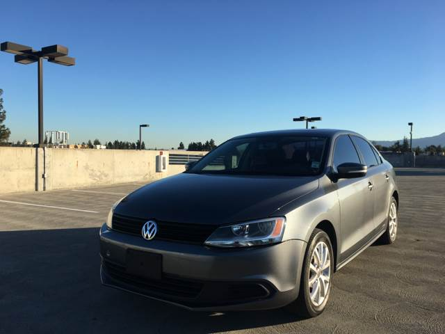 2011 VOLKSWAGEN JETTA SE PZEV 4DR SEDAN 6A gray 2-stage unlocking doors abs - 4-wheel active he