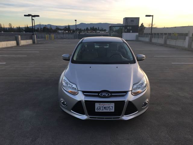 2012 FORD FOCUS SEL 4DR HATCHBACK silver abs - 4-wheel air filtration airbag deactivation - occ