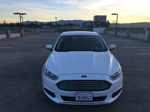 2015 FORD FUSION S 4DR SEDAN white door handle color - body-color exhaust tip color - chrome fr