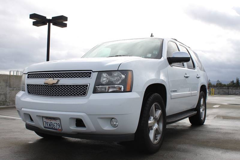 2008 CHEVROLET TAHOE LTZ 4X2 4DR SUV white trailer hitch - ready body side moldings - body-color