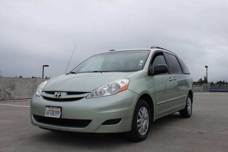 2009 TOYOTA SIENNA LE 7-PASSENGER 4DR MINI VAN green bumper detail - rear protector body side mo