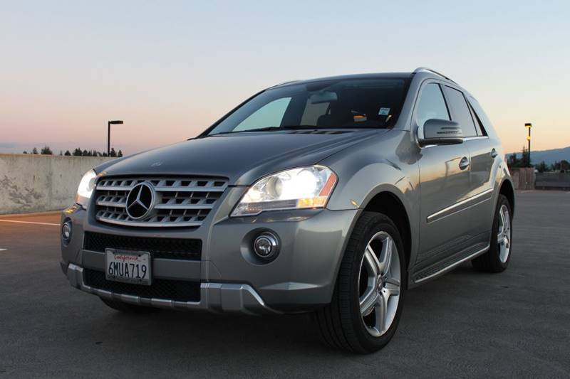 2011 MERCEDES-BENZ M-CLASS ML 550 AWD 4MATIC 4DR SUV gray 2-stage unlocking doors 4wd type - ful