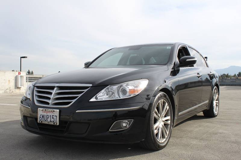 2010 HYUNDAI GENESIS 46L V8 4DR SEDAN black headlight bezel color - chrome body side moldings -