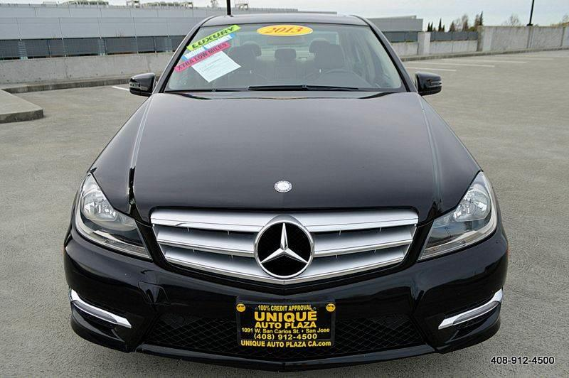 2013 MERCEDES-BENZ C-CLASS C300 LUXURY 4MATIC AWD 4DR SEDAN black 19690 miles VIN WDDGF8AB1DR2