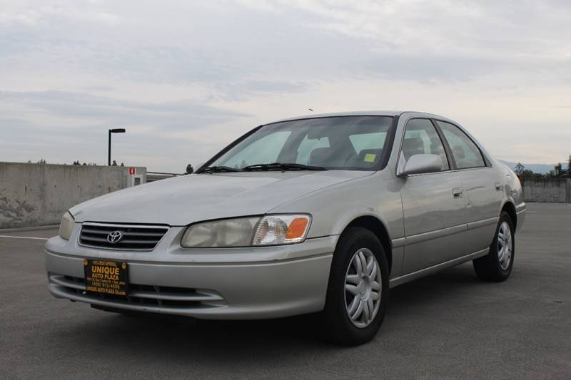 2000 TOYOTA CAMRY LE 4DR SEDAN silver cassette center console cruise control front air conditi