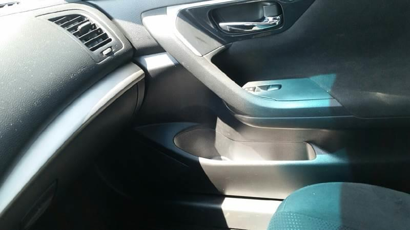2014 Nissan Altima 2.5 SV 4dr Sedan - Roscoe IL