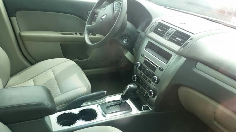 2011 Ford Fusion SE 4dr Sedan - Roscoe IL