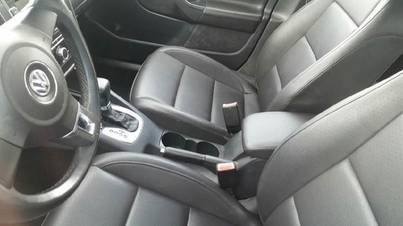 2010 Volkswagen Jetta SE 4dr Sedan 6A - Roscoe IL