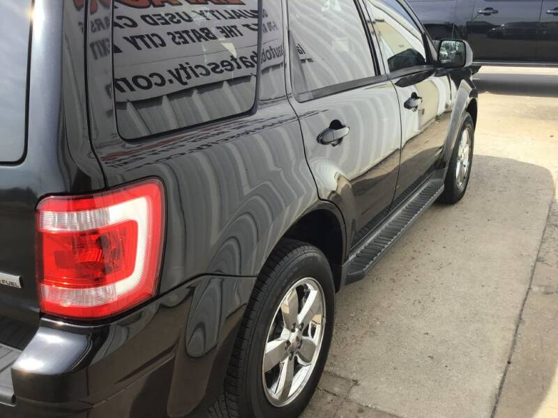 2011 Ford Escape Limited 4dr SUV - Bates City MO