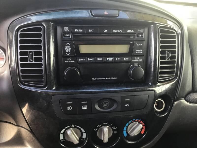 2005 Mazda Tribute s 4WD 4dr SUV - Bates City MO