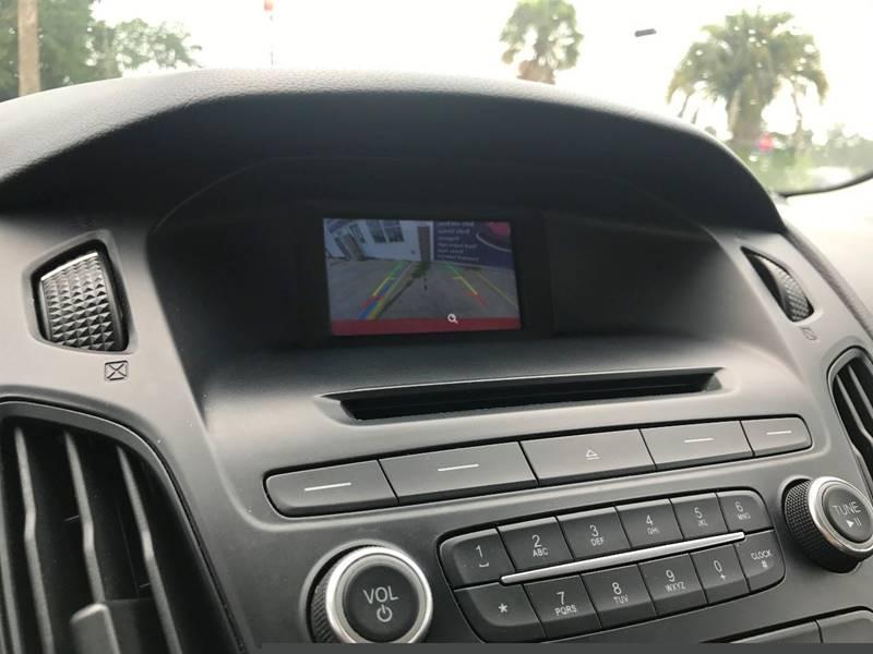 2015 Ford Focus SE 4dr Sedan - Panama City Beach FL