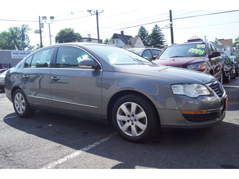 Volkswagen Passat 2006 2.0T 4dr Sedan w/Manual
