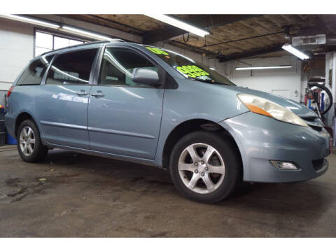 2006 Toyota Sienna for sale at M & R Auto Sales INC. in North Plainfield NJ