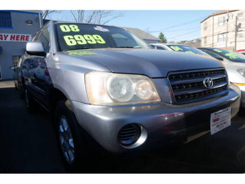 2003 Toyota Highlander for sale at M & R Auto Sales INC. in North Plainfield NJ