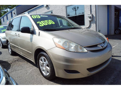 2009 Toyota Sienna for sale at M & R Auto Sales INC. in North Plainfield NJ