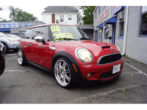 2008 MINI Cooper for sale at M & R Auto Sales INC. in North Plainfield NJ