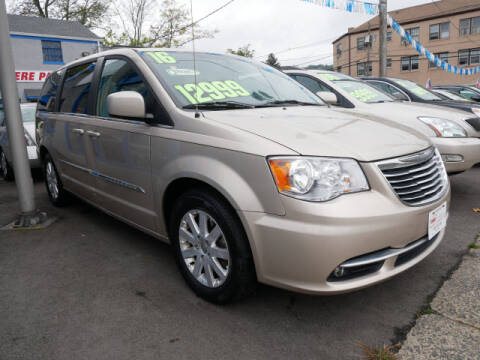 2016 Chrysler Town and Country for sale at M & R Auto Sales INC. in North Plainfield NJ