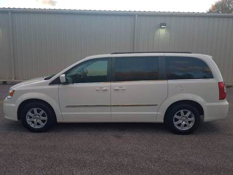 2013 Chrysler Town and Country for sale in Perry, OH