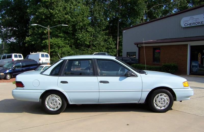 1992 Ford Tempo GL (image 5)