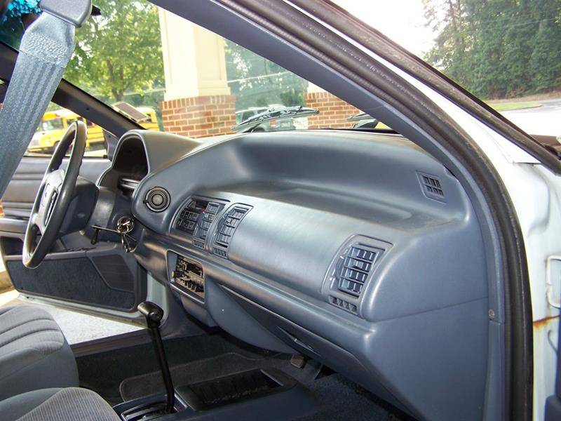1992 Ford Tempo GL (image 58)