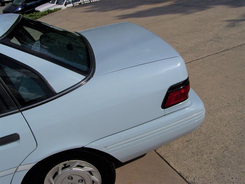 1992 Ford Tempo GL (image 11)