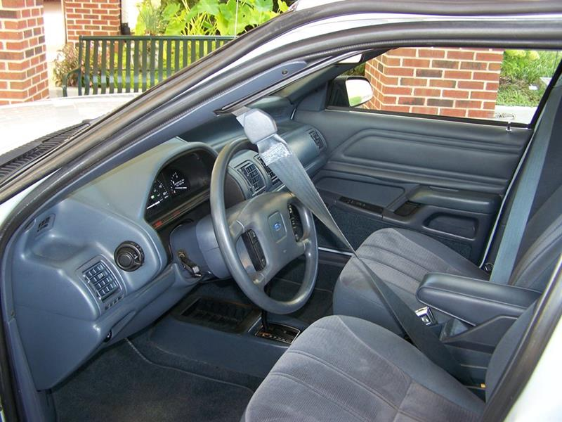 1992 Ford Tempo GL (image 70)