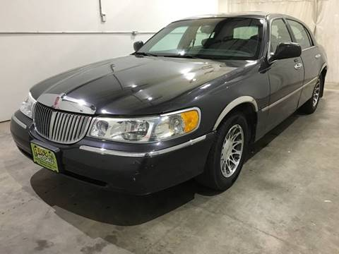 2001 Lincoln Town Car for sale in Clinton, IA