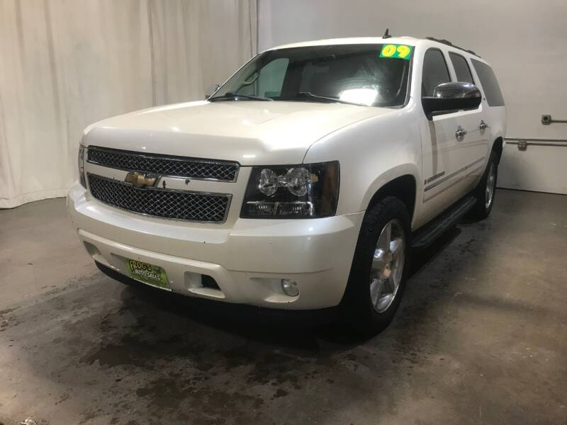 2009 Chevrolet Suburban for sale at Frogs Auto Sales in Clinton IA