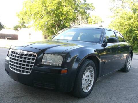 2006 Chrysler 300 for sale at Pary's Auto Sales in Garland TX