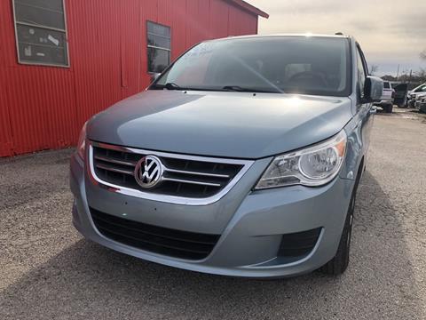 2009 Volkswagen Routan for sale in Garland, TX