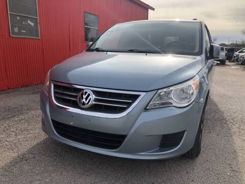 2009 Volkswagen Routan for sale at Pary's Auto Sales in Garland TX