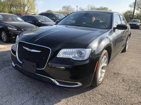 2015 Chrysler 300 for sale at Pary's Auto Sales in Garland TX