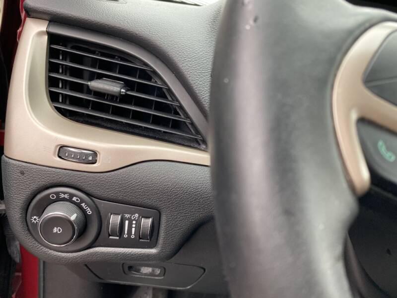 2015 Jeep Cherokee Limited (image 24)