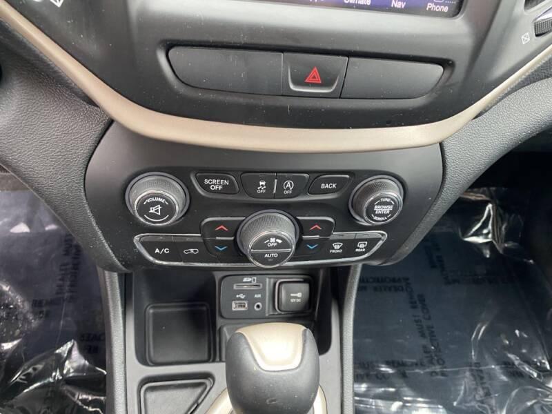 2015 Jeep Cherokee Limited (image 17)