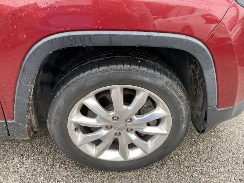 2015 Jeep Cherokee Limited (image 6)