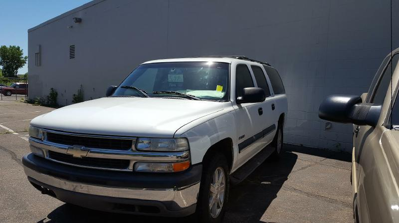 2000 Chevrolet Suburban 4dr 1500 LS 4WD SUV - New Hope MN