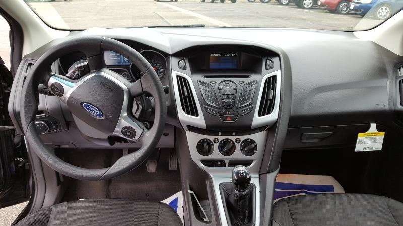 2012 Ford Focus SE 4dr Sedan - New Hope MN