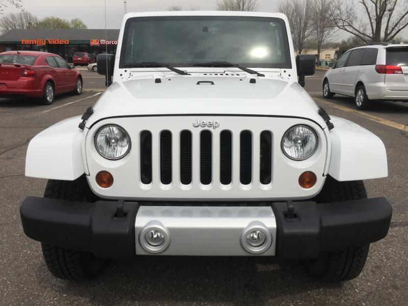 2013 Jeep Wrangler Unlimited 4x4 Sahara 4dr SUV - New Hope MN