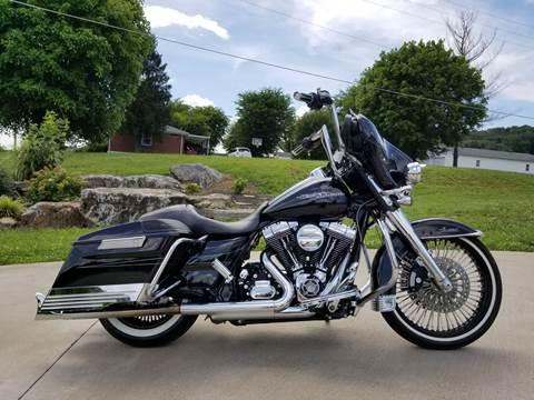 2016 Harley-Davidson FLHXS for sale at HIGHWAY 12 MOTORSPORTS in Nashville TN