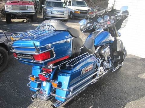 2005 Harley-Davidson FLH for sale at Zinks Automotive Sales and Service - Zinks Auto Sales and Service in Cranston RI