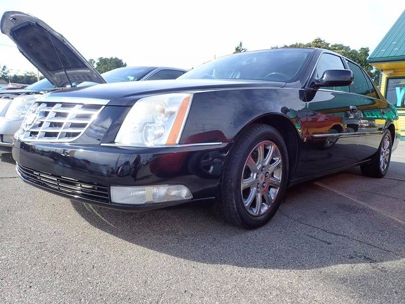 2008 CADILLAC DTS BASE 4DR SEDAN black exhaust - dual tip exhaust tip color - chrome grille col