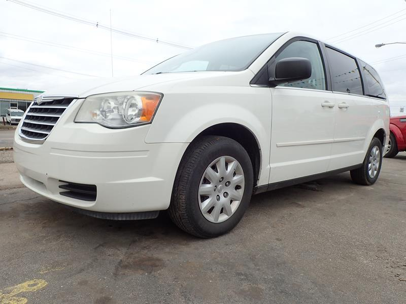 2009 CHRYSLER TOWN AND COUNTRY LX MINI VAN 4DR white none 147000 miles VIN 2a8hr44e59r542647
