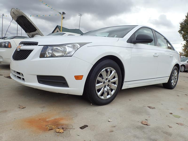 2012 CHEVROLET CRUZE LS 4DR SEDAN white none 133000 miles VIN 1G1PC5SH4C7121303
