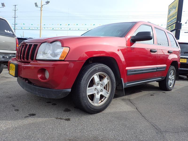 2006 JEEP GRAND CHEROKEE LAREDO 4DR SUV 4WD red none 181000 miles VIN 1j4gr48k26c111619