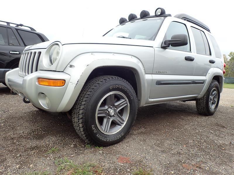 2004 JEEP LIBERTY RENEGADE 4WD 4DR SUV silver none 152000 miles VIN 1J8GL38K74W116417