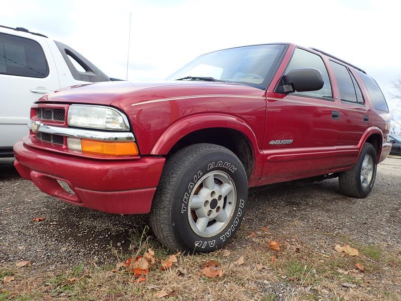 2002 CHEVROLET BLAZER LS 4WD 4DR SUV red none 131577 miles VIN 1GNDT13W52K108241