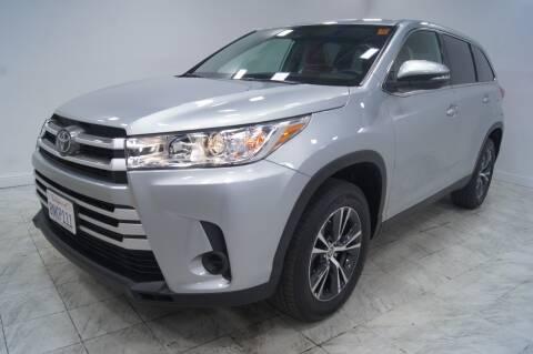 2019 Toyota Highlander for sale at Sacramento Luxury Motors in Carmichael CA