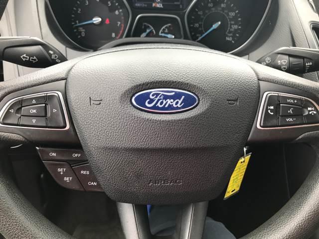 2015 Ford Focus SE 4dr Sedan - Heyworth IL