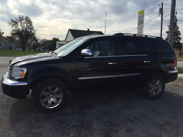 2007 Chrysler Aspen for sale at Dowers Auto Sales in Heyworth IL
